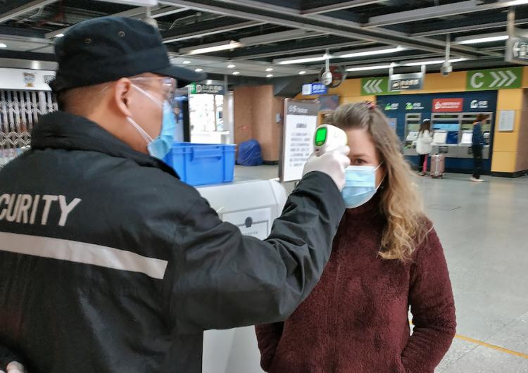 Suman más de 9 mil 600 casos de coronavirus en Canadá