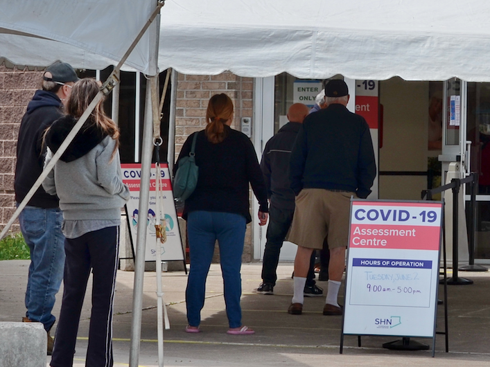 Ontario confirma casi 400 nuevos casos de coronavirus en solo 2 días